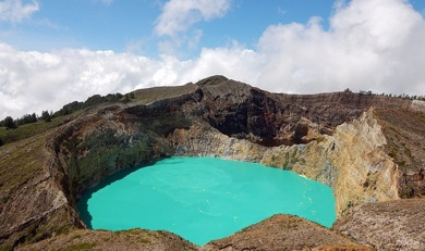 mount kelimutu volcanic lake, Indonesia